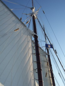 Tall ship Manitou sails, https://huffygirl.wordpress.com, © Huffygirl 2012
